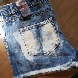 NoBO distressed shorts sz 6